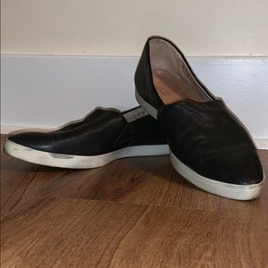 Dr. Scholl's black slip on sneakers